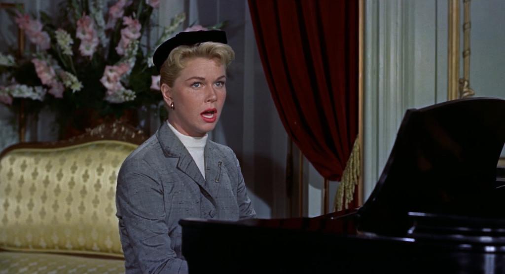 알프레드 히치콕 감독의 영화 'The man who knew too much'(1956)에서 유명한 케 세라 세라를 부르는 도리스 데이