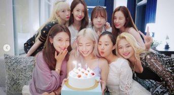 소녀시대, 티파니 생일 위해 뭉쳤다