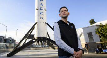 스페이스X 민간인 우주여행 대장은 고교중퇴자