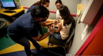 코로나 감염자 5명 중 3명은 초중고 학생