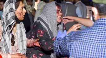 카불 엑소더스에 IS 자폭테러…미군 13명 비롯해 100여명 사망